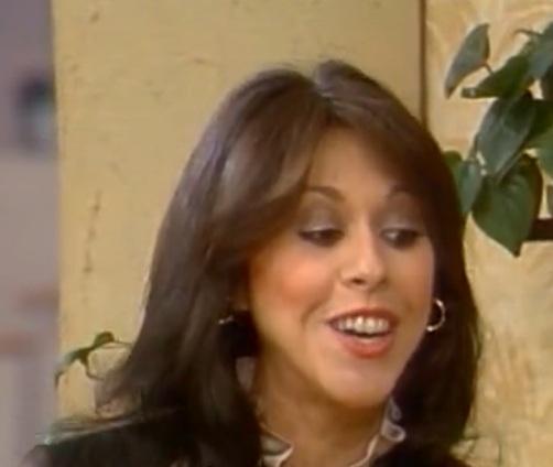 File:Elaine Giftos as Darlene.jpg