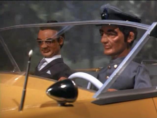File:Yellow-car-brink.png