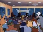 Everybody gathered around to see Dizzy eat