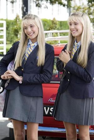 File:Camilla and Rebecca Rosso (3).png