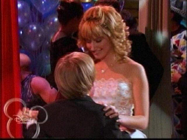 File:A Prom Story.jpg