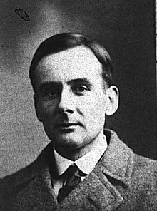 File:220px-Photo of Joseph Boxhall, fourth officer on RMS Titanic.jpg