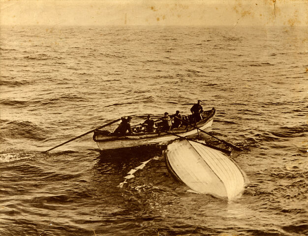 File:Lifeboat B.jpg