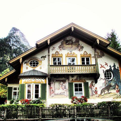 File:Oberammengau.jpg