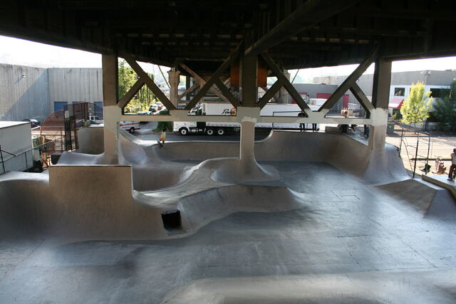 File:Burnside Skatepark Portland, Oregon.JPG