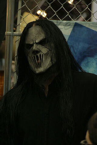 File:Scarry lookin Mick Thomson.jpg