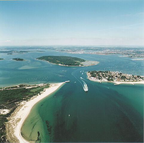 File:Poole harbour.jpg