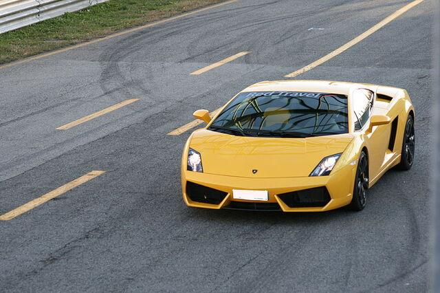 File:800px-Lamborghini Gallardo LP560-4.jpg