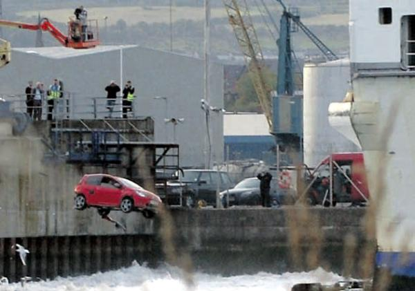 File:Twingo at harbour.jpg