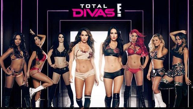 File:Total Divas Season 4.jpg