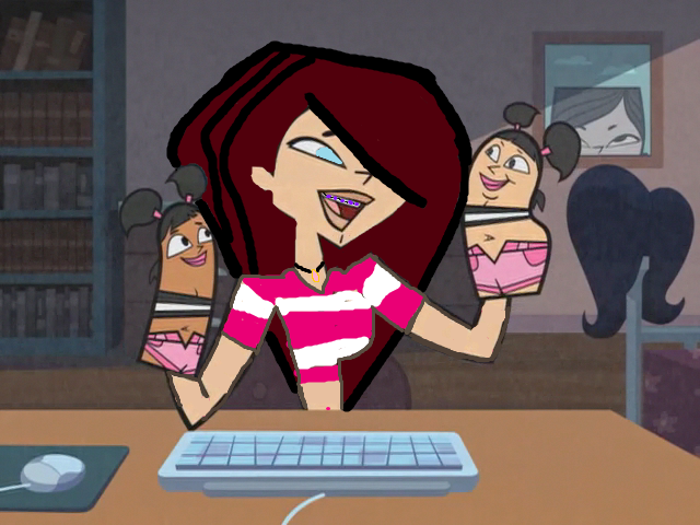 File:Ashley Working On Her Blog.png