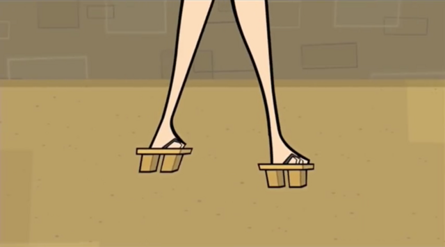 File:China wooden sandals.png