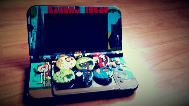 File:Pins and 3DS.jpg