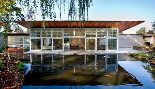Poolhouse1