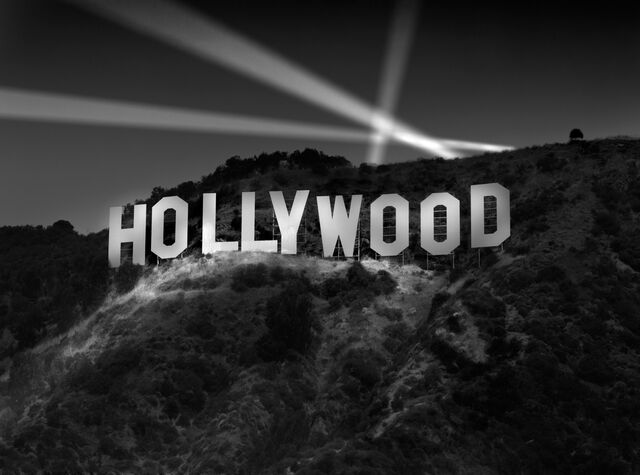 File:Hollywood-sign-night.jpg