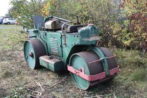 Aveling-Barford GB sn 00401 at claymills - IMG 5005