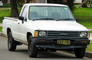 1983-1988 Toyota Hilux (YN58R) 2-door utility 01