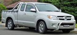 2005-2008 Toyota Hilux (GGN15R) SR5 Xtra Cab 2-door utility 01
