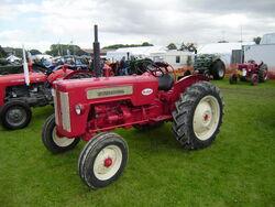International B414 at Driffield-P8100542