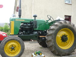Turner tractor 034