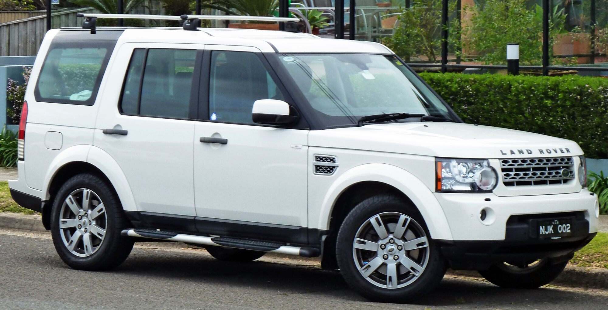 Land Rover Discovery Tractor & Construction Plant Wiki