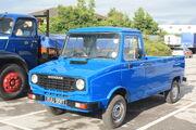 Sherpa 230 Pickup reg XUU 991T (lhs) at Leeds HCVS 09 - IMG 4008