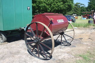Water Cart with CI wheels by --T. Baker Co.-- at woolpit 09 - IMG 1530