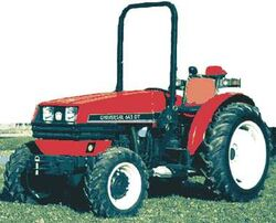 Universal 643 DT MFWD-2001