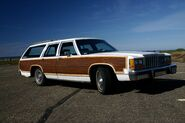 1987 country squire rightfront