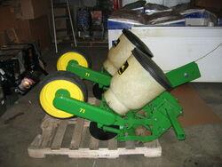 John Deere 71 Flexi Planter, 2 Row