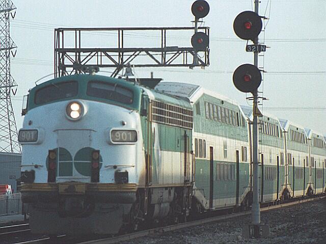 File:1980's GO Transit Train.jpg
