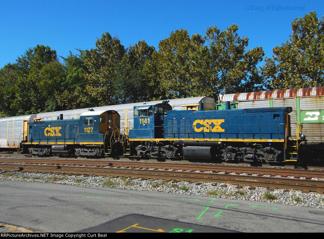 File:CSX SW1001 and MP15DC rebuilds.jpg