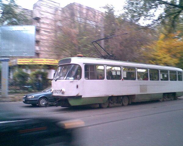 File:Tramvai Almaty.jpg