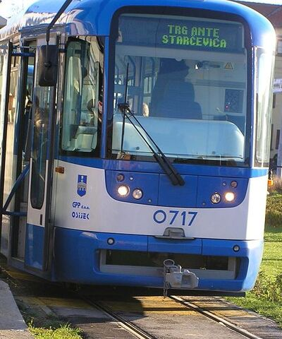 Plik:Osijek Tram 4.jpg