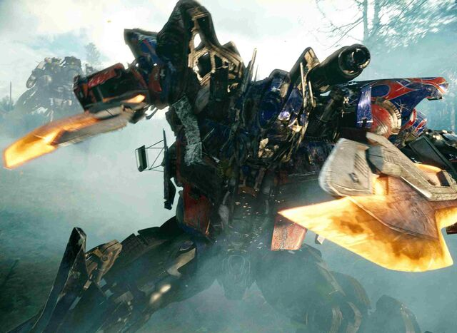 File:Rotf-optimusprime-film-forest2.jpg