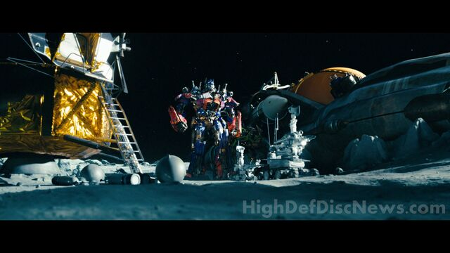 File:Dotm-optimusprime&ratchet-film-moon.jpg