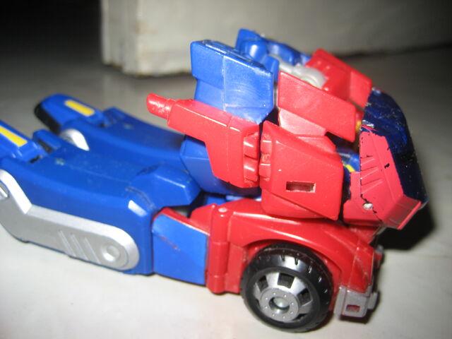 File:Optimus Prime Animated 2012 002.JPG