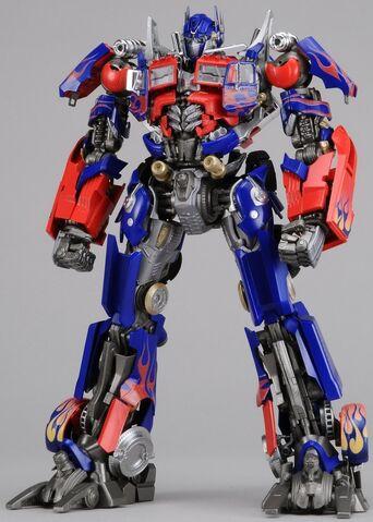 File:Dotm-optimusprime-toy-dmk-1.jpg