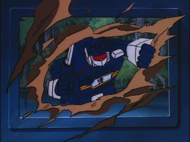 File:HoistGoesHollywood Soundwave movie rip.JPG