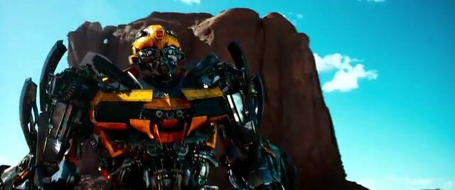 File:Transformers AOE 3263.jpg