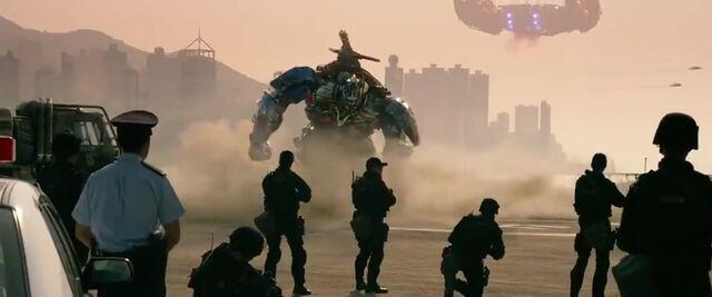 File:Transformers AOE 9264.jpg