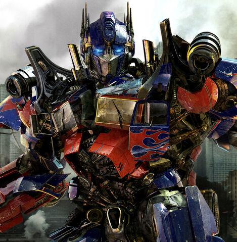 Fichier:Transformers-3-Dark-of-the-Moon-Optimus-Prime-crop 1302889481.jpg