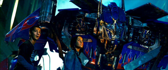 File:Movie Sam Mikaela meettheAutobots.jpg