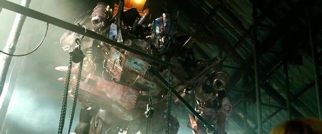 File:Transformers AOE 1804.jpg