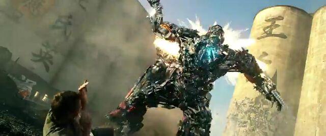 File:Transformers AOE 9197.jpg