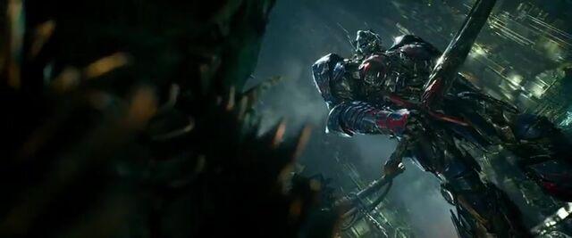 File:Transformers AOE 7871.jpg