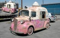 Rotf-twins-ice-cream-truck