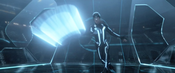 File:Tron-Legacy-Sam-in-Battle-9-3-10-kc.jpg