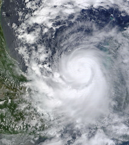 File:Hurricane Karl 2010-09-16 1720Z.jpg