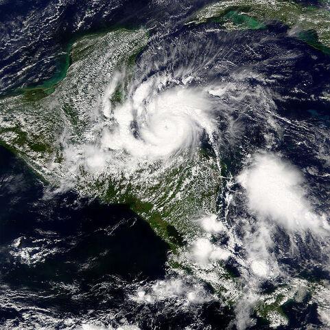 File:800px-2001 Hurricane Iris.jpg